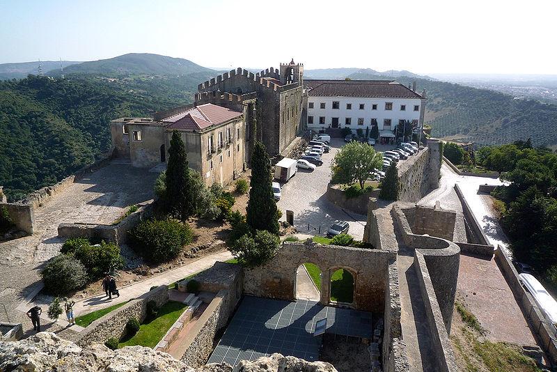 Empreitada para evitar derrocas nas encostas do castelo de Palmela