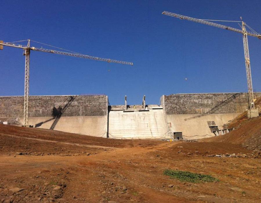 Construção das Barragem de Salineiro