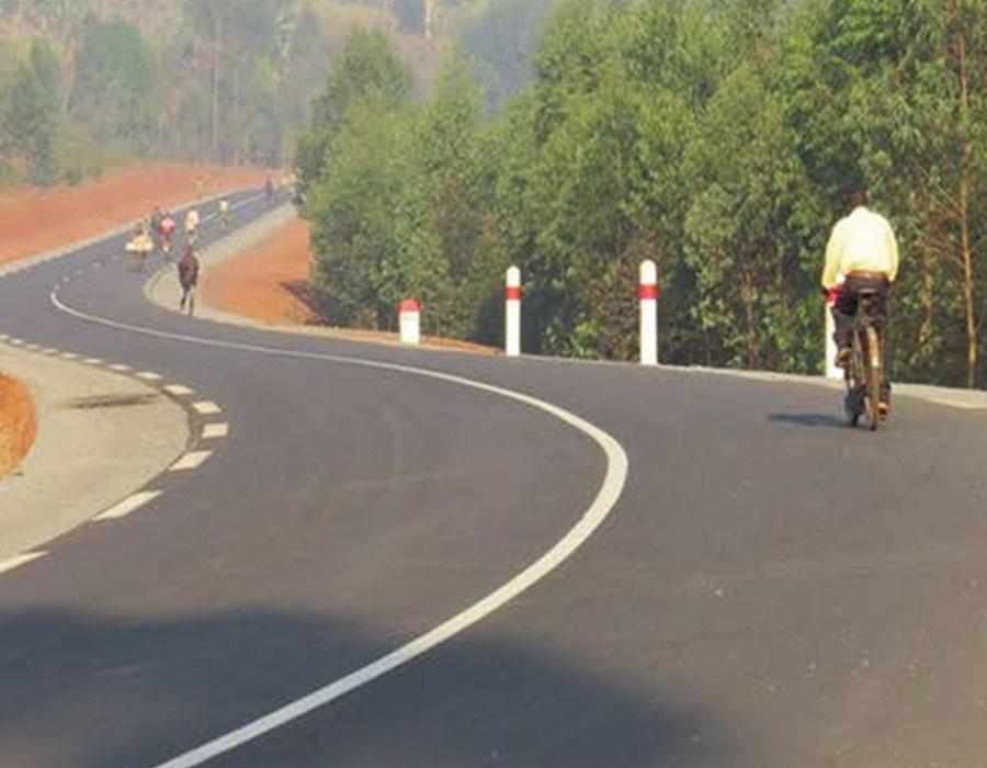 Reabilitação de estradas rurais na RN15 e estradas urbanas nas cidades de Gitega e Ngozi