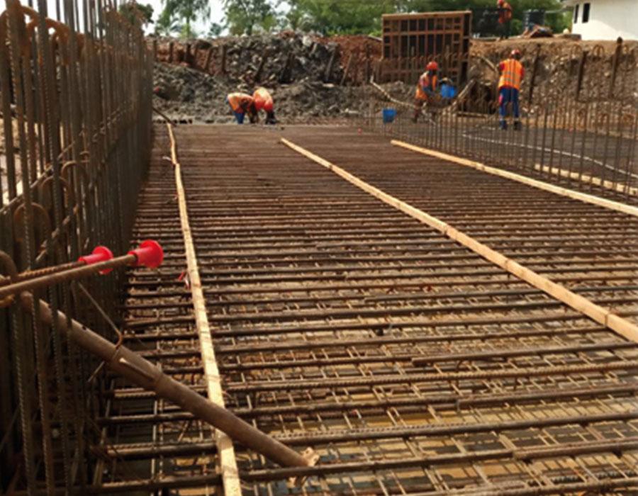 Construção de uma ponte sobre o Rio Rusizi, na fronteira entre o Burundi e a República Democrática do Congo (RN 4 PK 15 457).